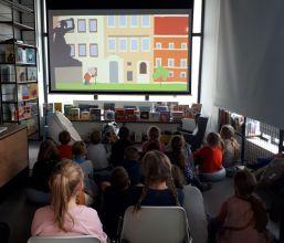 Jak przedszkolaki poznają bibliotekę