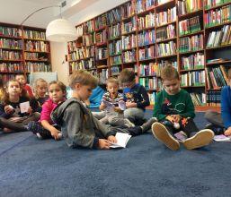 Lekcja biblioteczna dla warszawskiego przedszkola w Czytelni nr XVII
