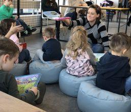 Najmłodsi czytelnicy w Punkcie Bibliotecznym na Batalionów Chłopskich